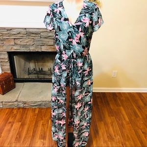 NWT Toxik3 Shorts/Duster Outfit Size Medium